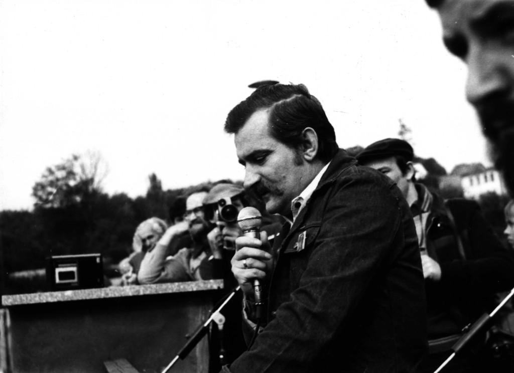 1981_0051f Wałęsa  wiec