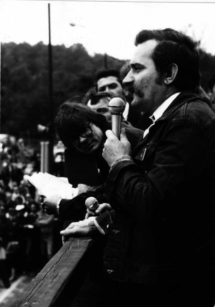 1981_0052f Wałęsa  wiec